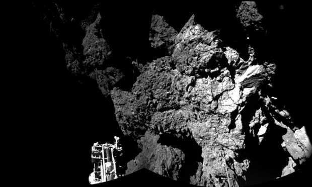first photo from comet landing