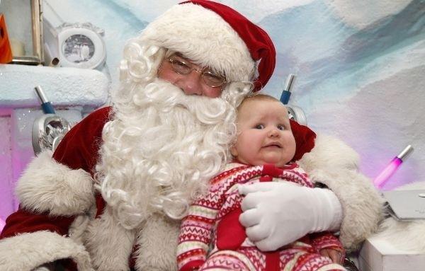 baby unsure of santa