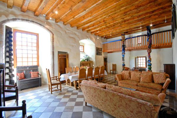 dairsie castle lounge