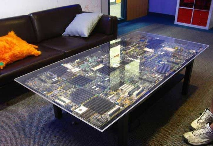 coffee table | transistor motherboard coffee table
