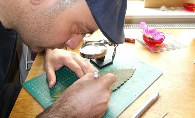 Omid Asadi leaf artist
