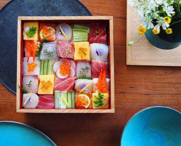 1-mosaic-sushi-15-57bfe93f32bad__700