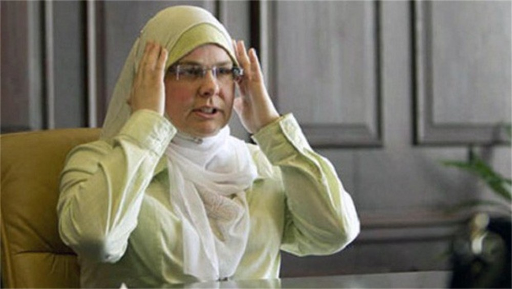 muslim-woman-wins-5m